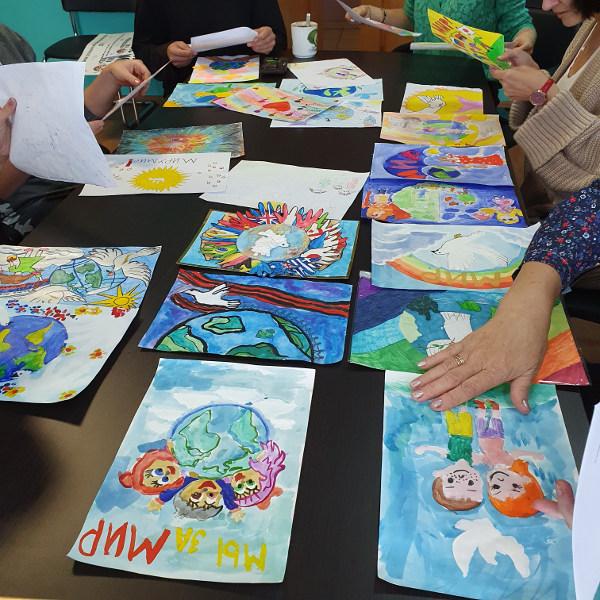 Подведены итоги детского конкурса рисунков «Пусть всегда будет мир на планете»